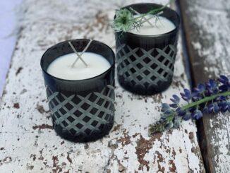 Charitativní svíčka ve sklenici Večernice od Radua crystal.