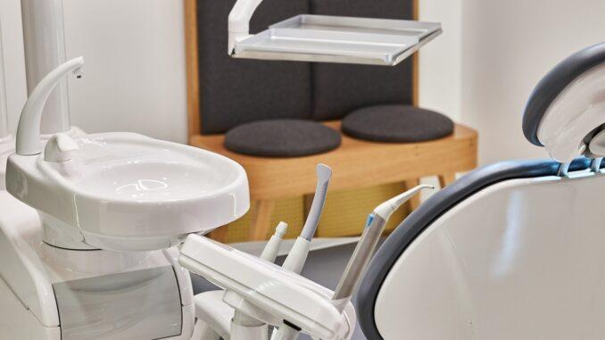 Zubařské křeslo, ordinace