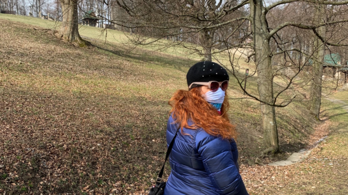 Úžasná Bára na procházce.