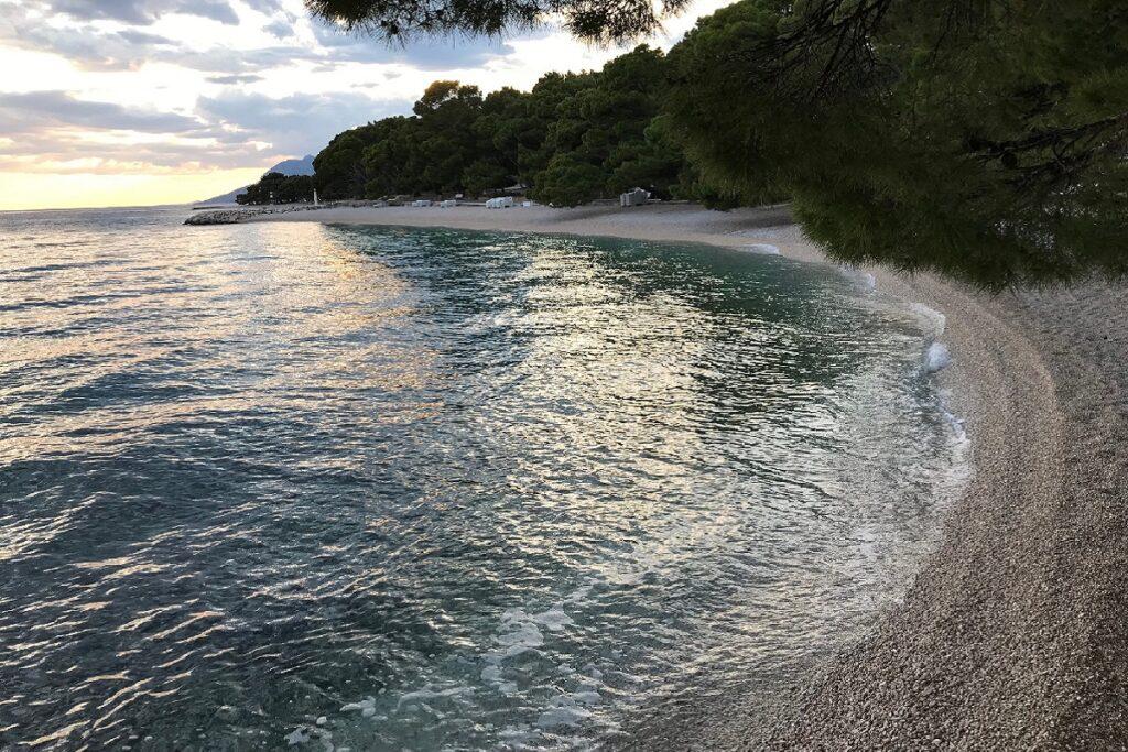 Záliv.