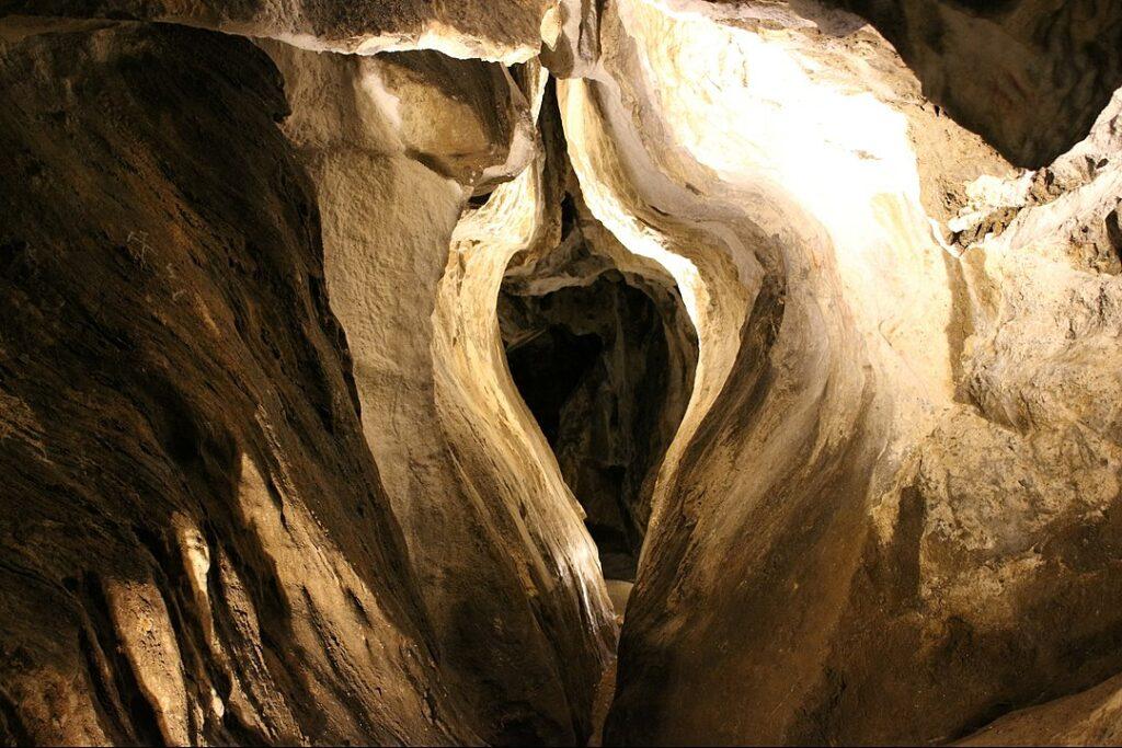 Jeskyně na Špičáku.