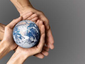 Planeta v dlaních.